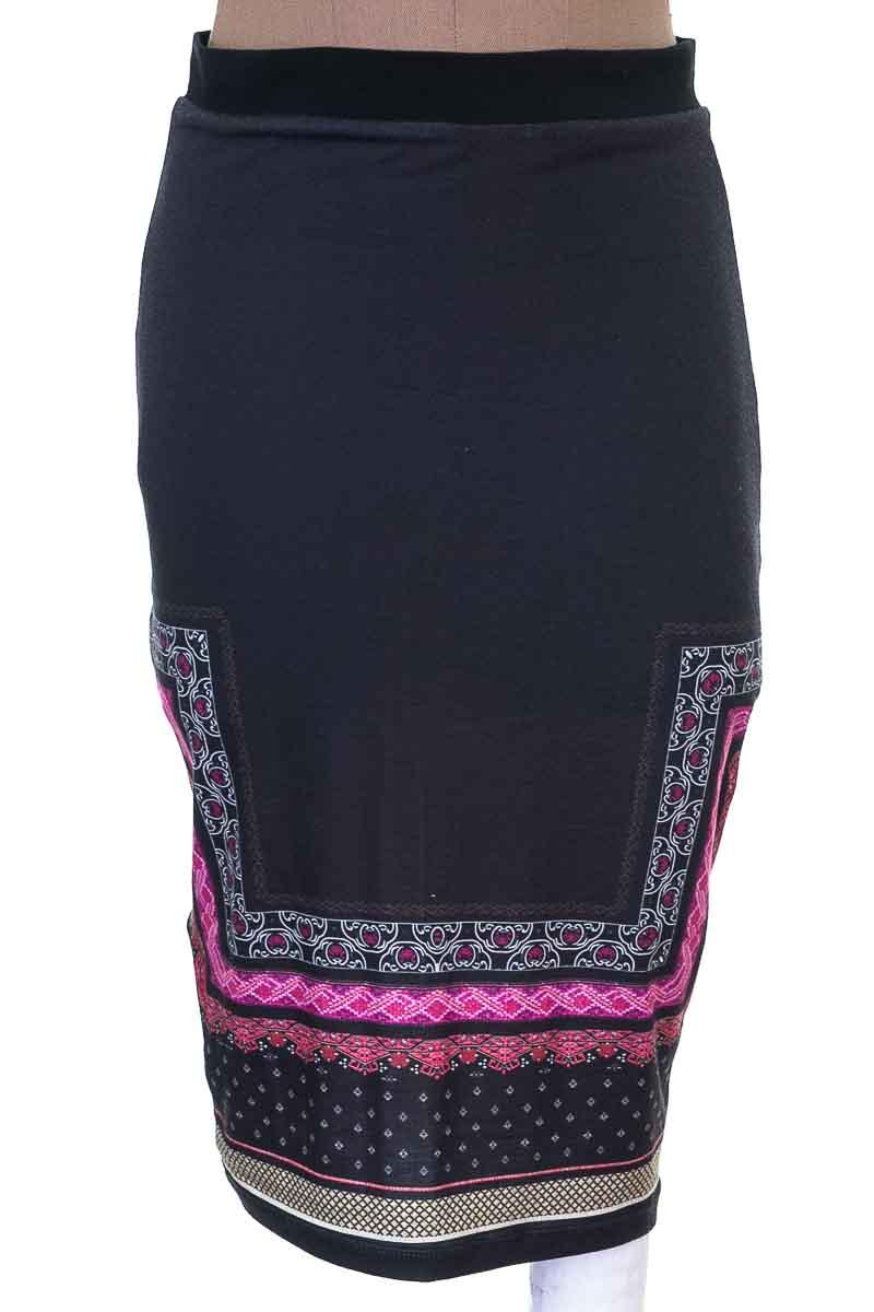 Falda Elegante color Negro - Koaj