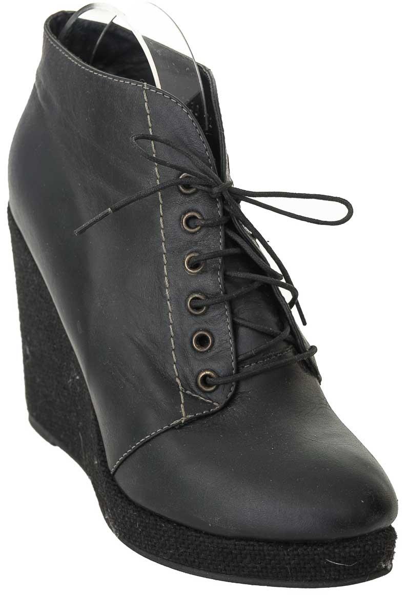 Zapatos Botín color Negro - Bosi
