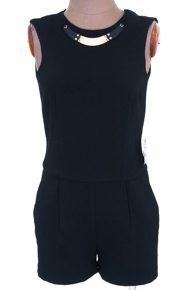 Vestido / Enterizo Fiesta color Negro - Zara