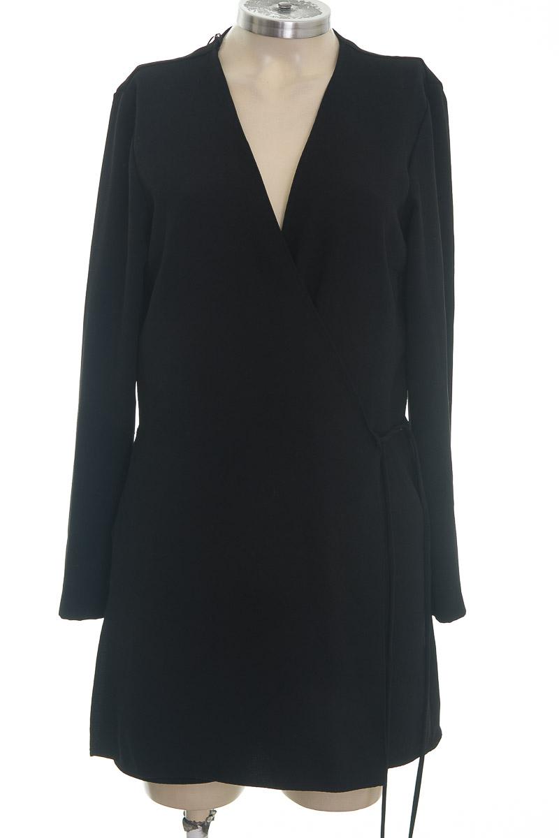 Vestido / Enterizo color Negro - Zara