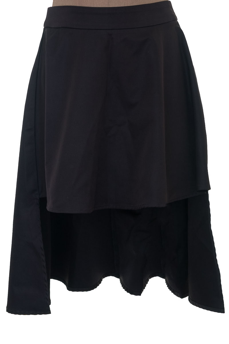 Falda Elegante color Negro - Arkitect