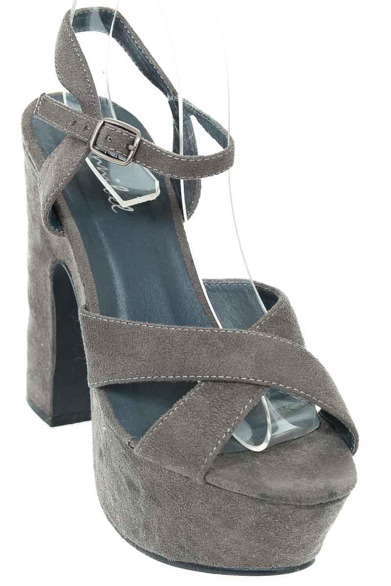 Zapatos Sandalia color Gris - Bonnibel