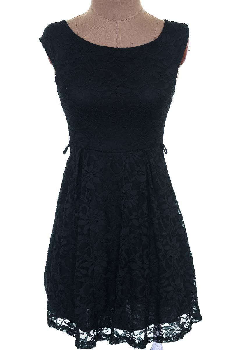 Vestido / Enterizo Casual color Negro - Studio F