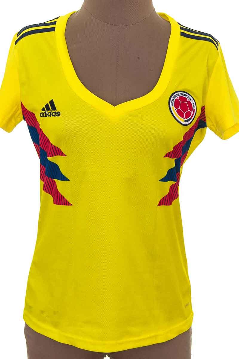 Ropa Deportiva / Salida de Baño Camiseta color Amarillo - Adidas