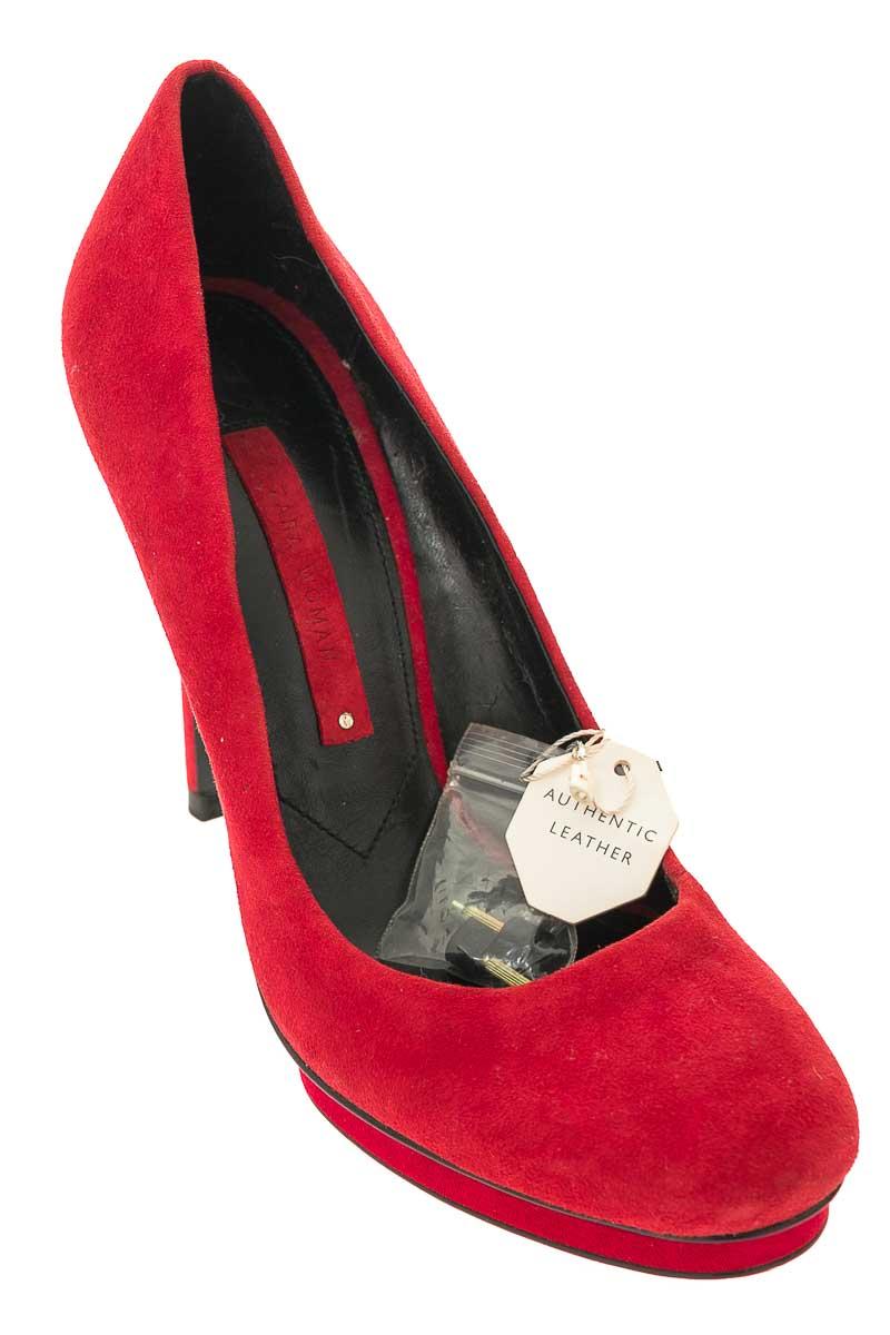 Zapatos Tacón color Rojo - Zara