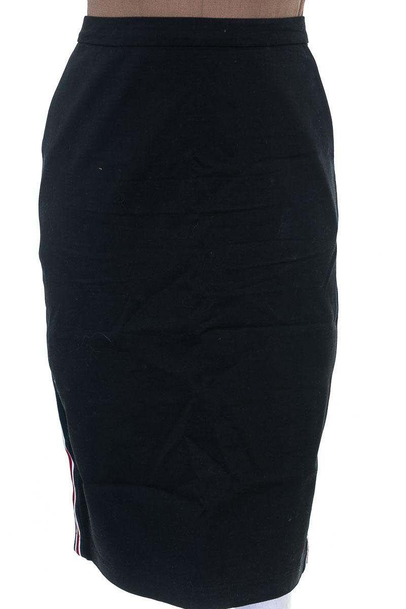 Falda Casual color Negro - OVI