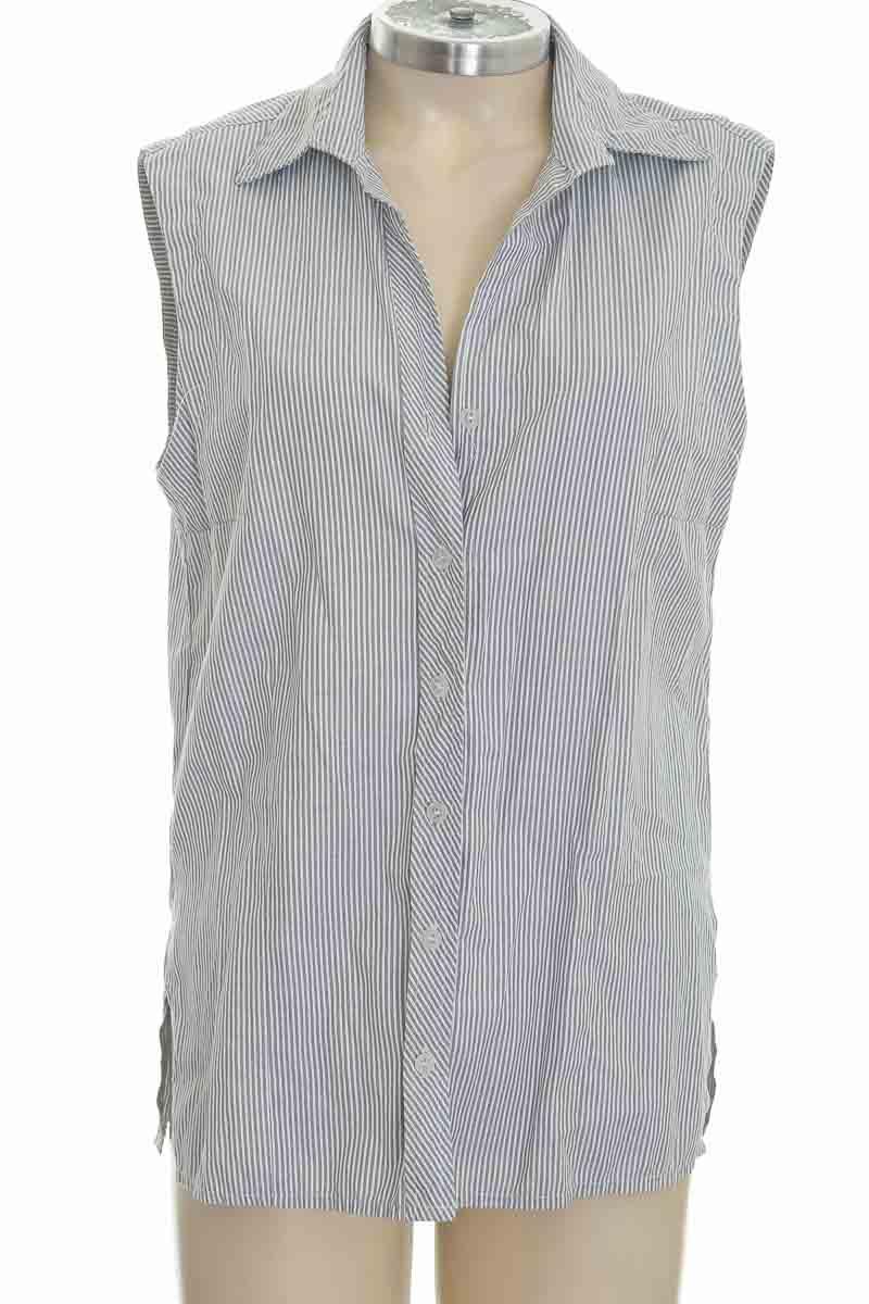 Blusa color Gris - Closeando